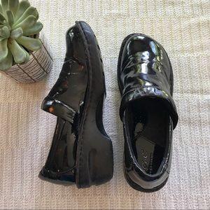 Boc black patent vegan leather Peggy clogs size 8